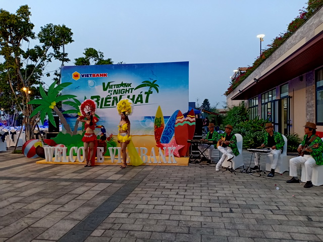Flamenco Hawaii Tumbadora Band Year End Party Viet Bank Marina Bay Vung Tau 003